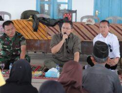 Bupati Muba dan Forkopimda Beri bantuan kepada warga SP.3 dari Bencana banjir Tahunan