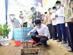 Herman Deru Hadiri Peletakan Batu Pertama Pembangunan Masjid Darul Hijrah