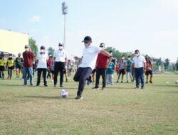 Herman Deru Buka Turnamen Sepakbola U-14 dan Women Sriwijaya FC Championship