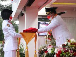 Wabup Beni Pimpin Upacara Penurunan Bendera Merah Putih