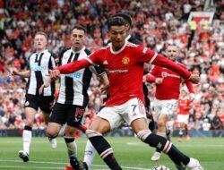 2 Gol Ronaldo Menangkan MU 4-1 Atas Newcastle